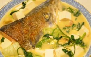 Salmon Head Tofu soup