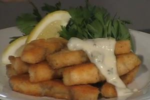 Fried Fish Fingers with Creamy Tartare Sauce