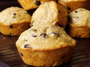 Easy Banana Chocolate Chips Muffins