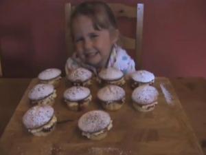 Lovely Victoria Sponge Cupcakes