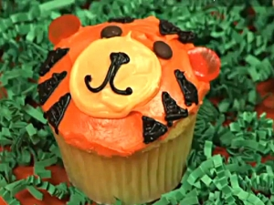 Jungle Animal Cupcakes: Monkey, Lion, Tiger and Zebra Cupcakes