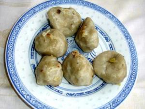 Khaman Na Larva