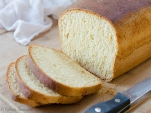 Easy Homemade Sandwich Bread {Made from Scratch}