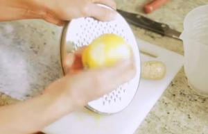 Tips To Zest a Lemon