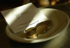 tip at restaurant