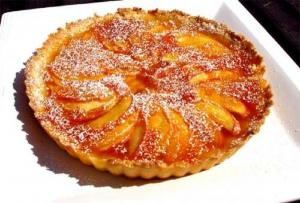 Pear Tart with Cream