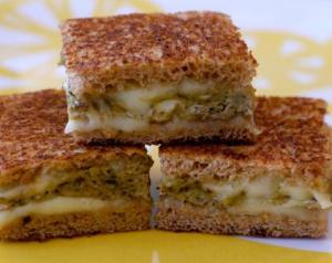 Egg Pesto Omelet Sandwich