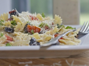 BLT Caesar Pasta Salad ... Way to Easy, Yet So Good!