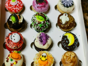Betty's Daughter Chelsea and Grandson Carter Decorate Halloween Cupcakes