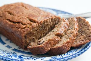 Applesauce-Nut Bread