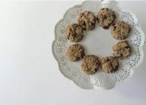 Crunchy Oatmeal Cranberry Cookies