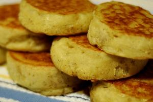 Eggless Easy Crumpets