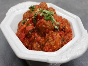 How to make Homemade Meatballs