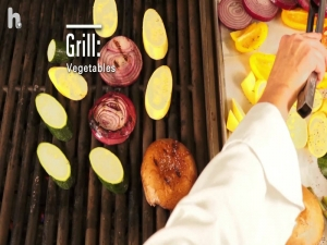 How to Make a Grilled Chicken Salad