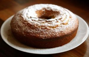 Easy Sour Cream Coffee Cake With Cinnamon