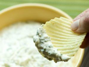 Raw Sour Cream and Onion Dip