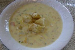 Cream of Potato Soup with Garlic