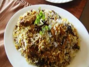 Lucknowi Chicken Biryani