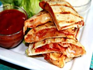 Pepperoni Pizza Quesadilla-- Quick and Easy Lunch Idea