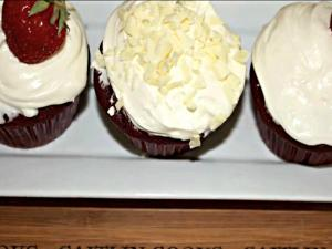 How to Make Red Velvet Cream Cheese Cupcakes