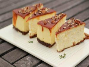 How to Make Classic Cheesecake - Caramel Pecan on Top
