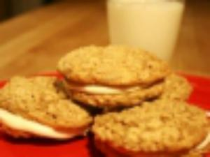 Oatmeal Whoopie Pies: Cookie Jar