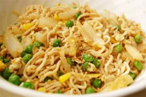 Shirataki noodles are rich in fibers, which aid in weight loss