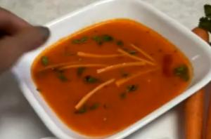 Carrot Soup with Fire Roasted Red Bell Pepper - Easy and Quick