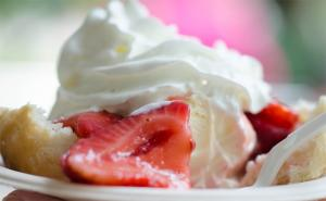 Strawberry Sundaes