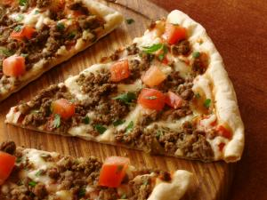 Salsa Pizza with Cheese Crust