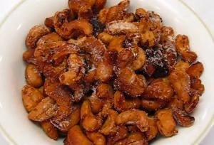 Super Bowl Spicy Crunchy Toasted Cashews
