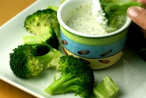 Broccoli With Lemon Chive Sauce