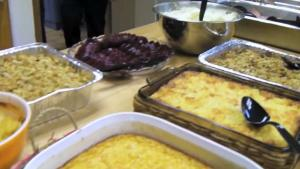 Elba Cooks Thanksgiving Dinner For 100