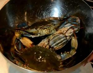 Chinese Cooking: How to Cook & Steam Live Blue Crabs