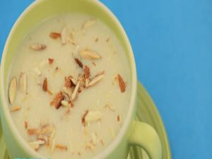 Cream of Cauliflower and Almond Soup