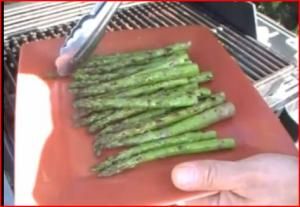 Grilled Asparagus with Garlic and Olive Oil