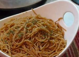 Sauteed Noodles in Plum Sauce