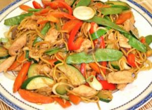 Vegetable Pancit With Chicken