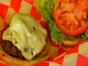Honolulu Burger Company - Mushroom Mushroom Burger - Segment 2