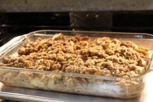 Microwaved Apple Crisp