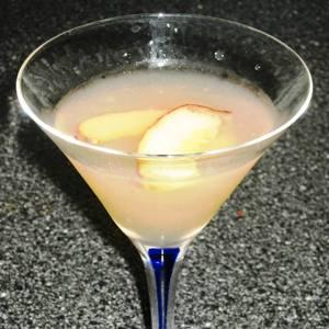 Exotic Peach Martini