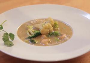 Thai Green Curry Chicken with Broccoli and Cauliflower