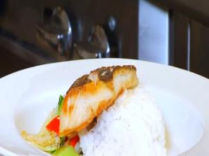 Hawaiian Grown Kitchen - Pagoda Floating Restaurant - Segment 2