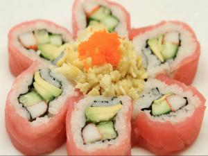 How to Make Sushi - Sakura Sushi Rolls