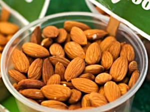 Farmers' Market Interview: All about Almonds
