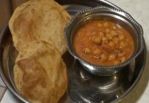 Puff Puris (Pooris) - Indian Bread
