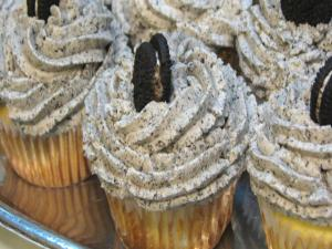 Lynn's Oreo Cupcakes With Oreo Buttercream