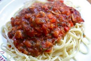 Pasta with Spicy Meat Sauce