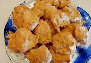 Holiday Favorite Coconut Macaroon cookie