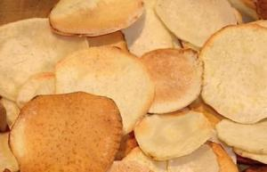 Healthy Baked Malanga Chips